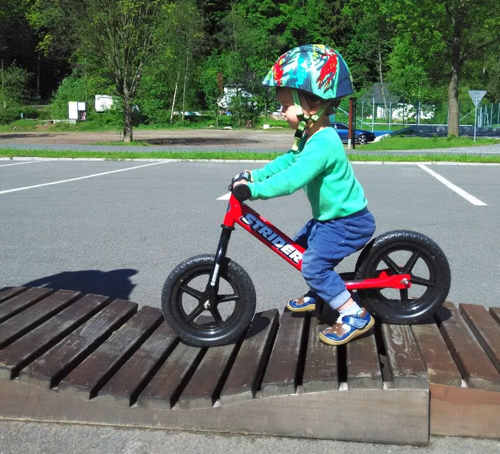 odrážedlo Strider bike v akci