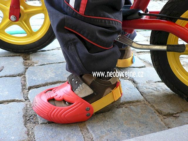 Ochranné návleky Big - eshop Neobyčejně. Ochranné návleky na dětské boty ... 768a65ecbe